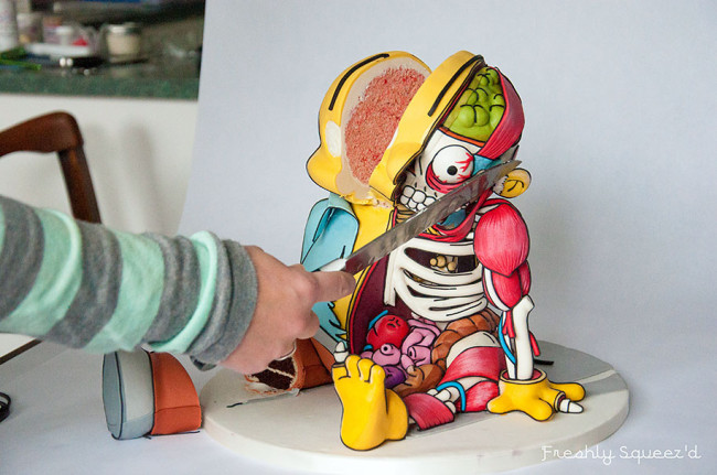 ralph-wiggum-from-the-simpsons-turned-into-a-dissected-cake-111-650x431